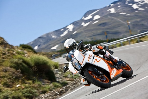 RC8 R 2011