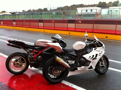 READY TO RACE-Ducati: 1098R